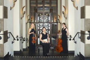 Trio Conti är en pianotrio bestående av Tilde Ahlbeck Glader piano, Astrid Hillerud cello och Jonna Simonsson violin. Efter att ha studerat tillsammans i sju år bildade man under hösten 2017 Trio Conti. Medlemmarna har nu gått sista året på Nordiska Musikgymnasiet i Stockholm. Trio Conti medverkade även som Sommarmusiker 2018, och genom bland annat Konserthuset och Aurora Masterclasses har trion under senare tid deltagit vid en rad konserter och mästarklasser runt om i Sverige. Repertoaren består av musik av bland andra Astor Piazzolla, Dmitrij Sjostakovitj, Franz Schubert, Edward Elgar, Antonín Dvorák och Fritz Kreisler.