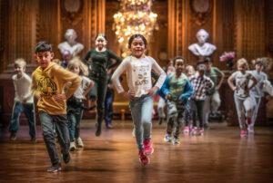 Elever från Smedshagsskolan upptäcker Det magiska huset med Unga på Operan, Kungliga Operan. Fotograf: Markus Gårder