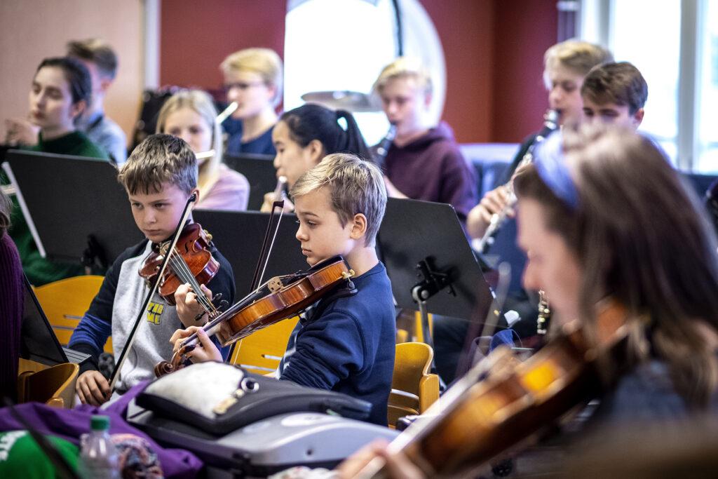 YOMA - Young Musicians Academy stöds I tre projekt av Signatur – insamlingsstiftelse för musikfrämjande